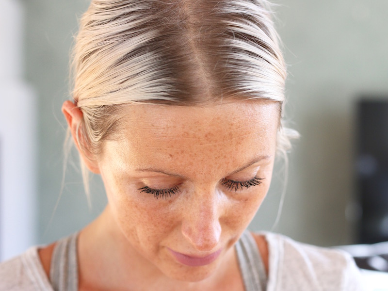 En vaan millään jaksa raahautua niin usein värjäilemään tyveä ja muutenkin  hiusten kuntoa ajatellen yritän venyttää vaalennusväliä ... 7d158ac96a