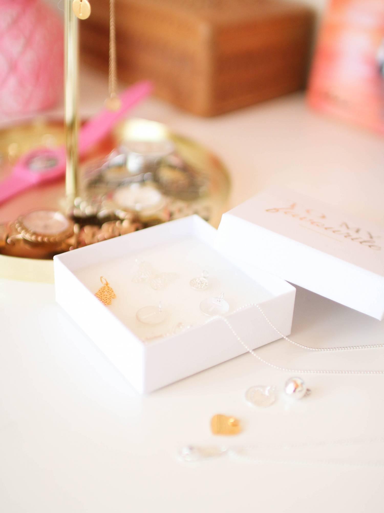 Kauniita riipuksia hopeasta + huisi alekoodi Glitterille