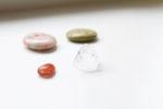 Neljä kristallia laukussani